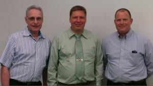 IC equipo de Ozark (De izquierda a derecha: Dr. Ian Fiel, Director of Business Development; DrDRMatt Francis,  Presidente y CEO; y Jim Holmes, DirDirector de Desarrollo de Negocios