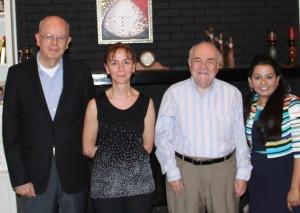 Equipo de protocolo Farmacéuticos, de izquierda a derecha: Cesar M. Compadre, Doctor en Filosofía; Nükhet Aykin-Quemaduras, PhD., Philip J. Breen, Doctor en Filosofía., y Shraddha Thakkar, Ph.D